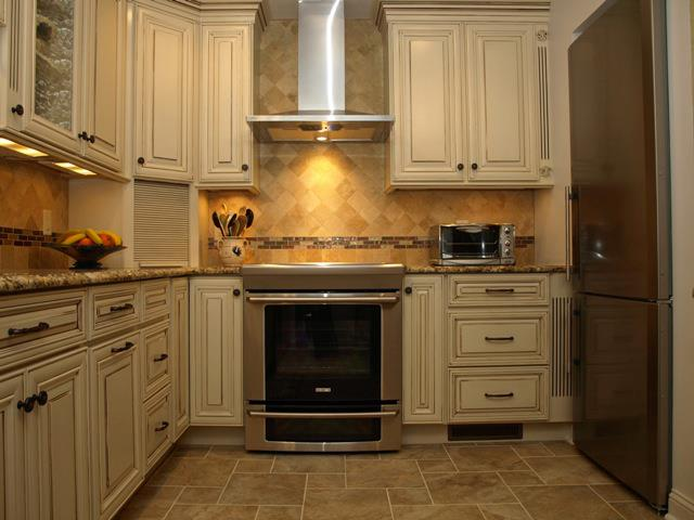 A Niche For The Refrigerator Creates Space For The Cook In This Tuscan Kitchen