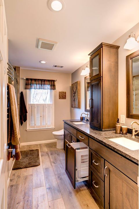 Double Sink Vanity With Storage Tower