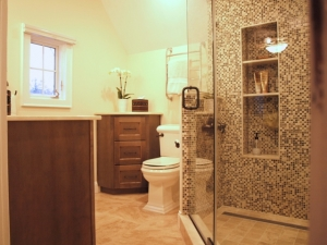 Mosaic master bath makes way from design dilemma
